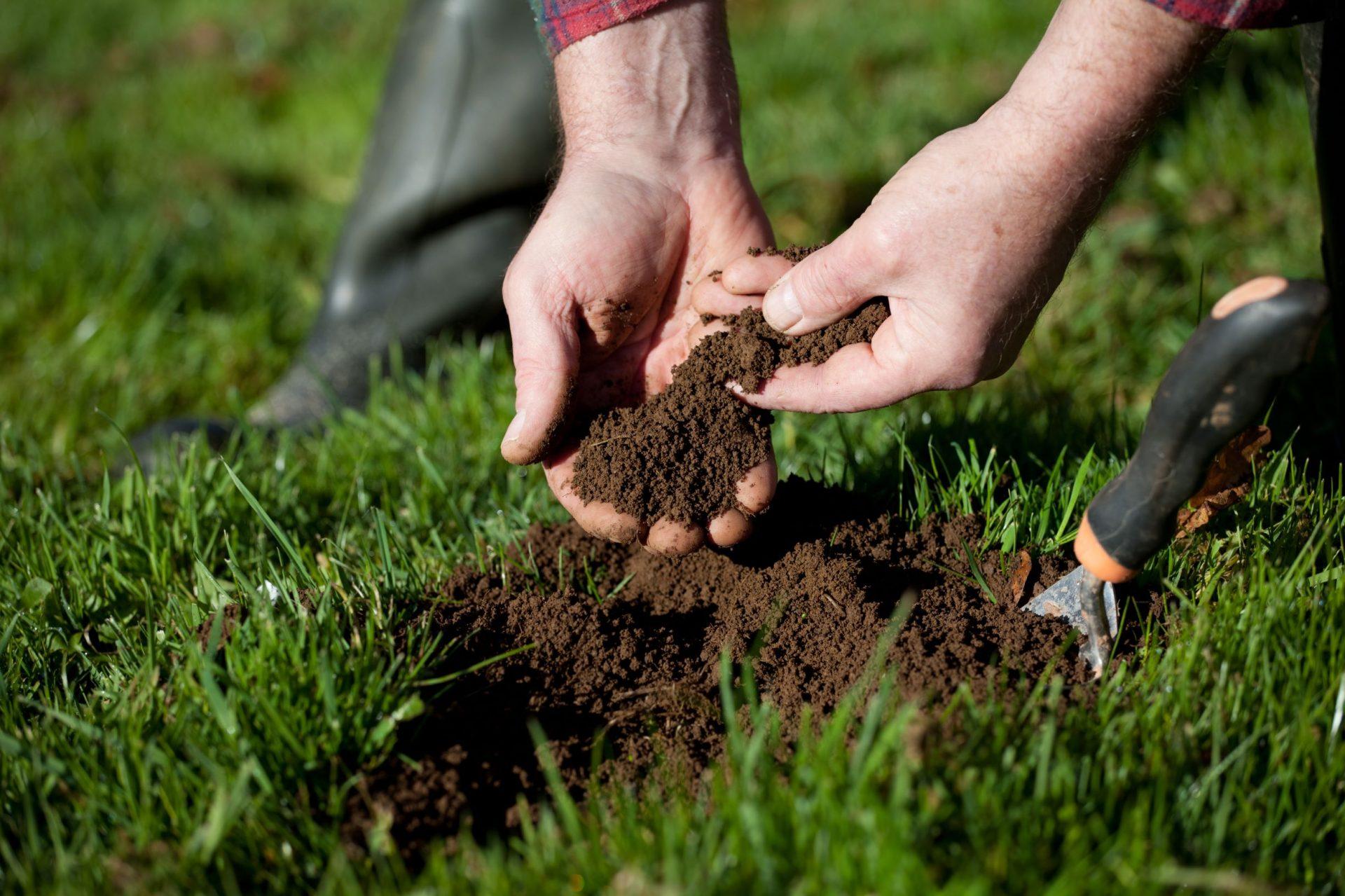 Fertiliser le sol